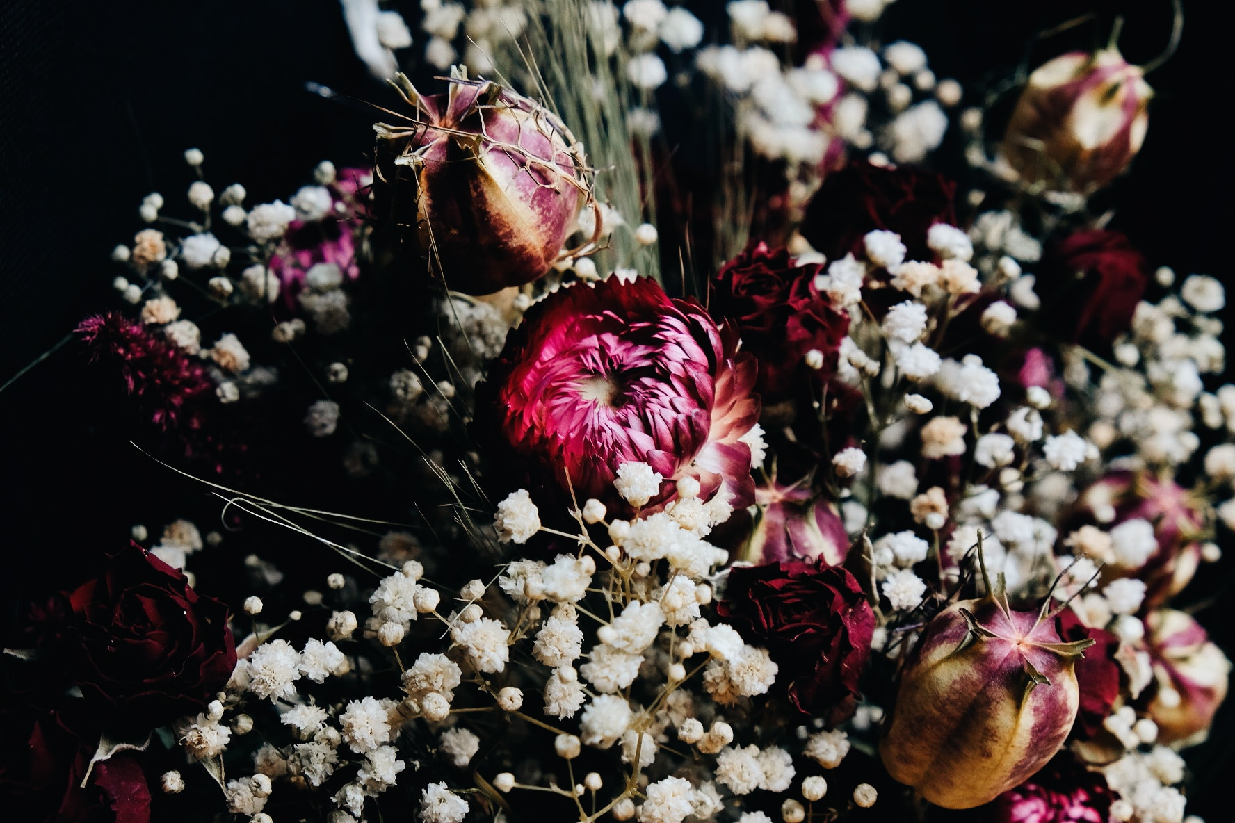 Fleurs séchées ambiance romantique baroque