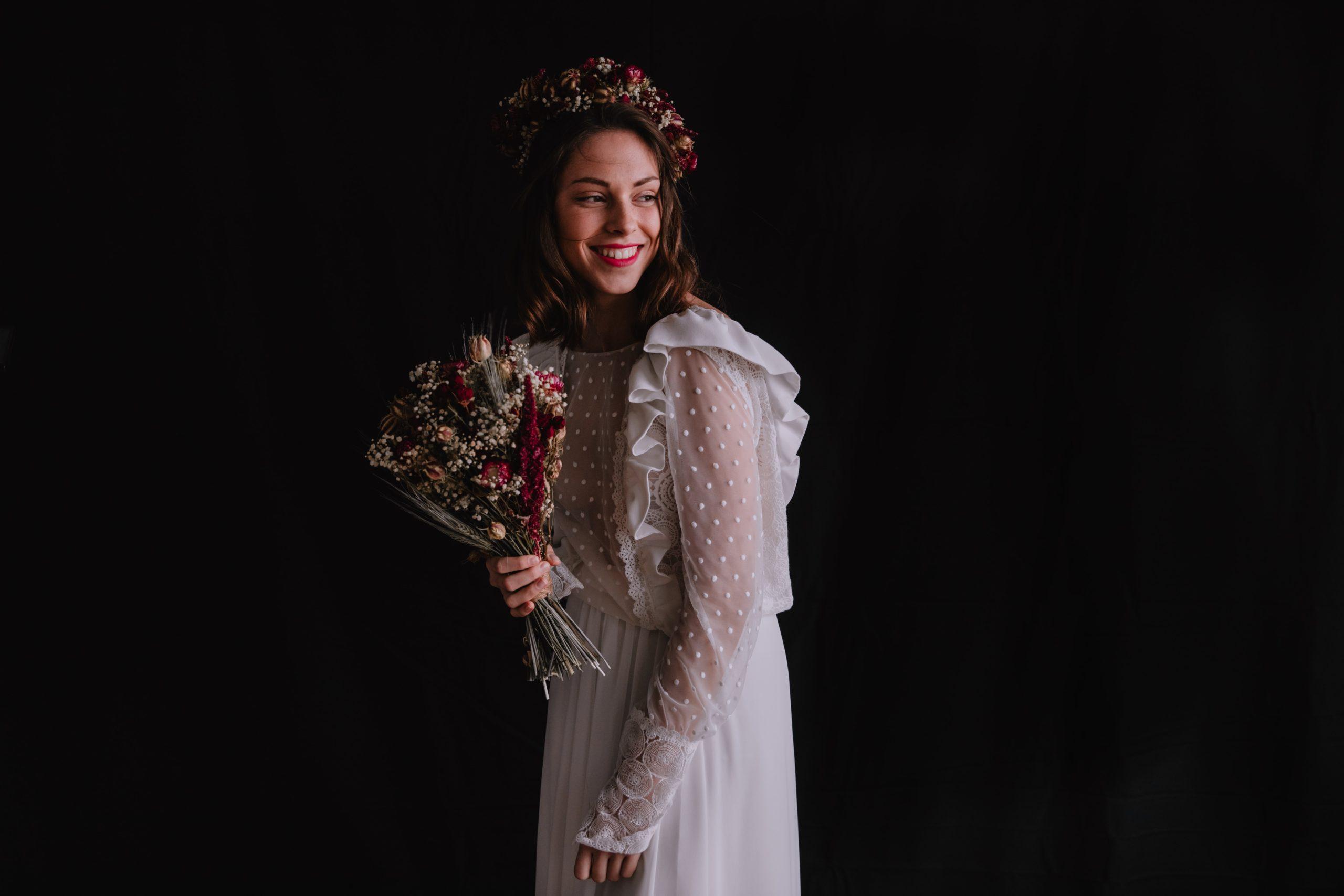 Serre Sauvage en fleurs séchées bouquet de mariée et couronne
